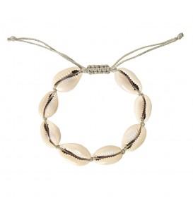 Leuke armband met schelpen bedels in wit en goud kleur.