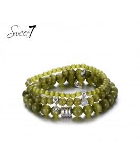Groene natuurstenen armband van 3 rijen en bedels