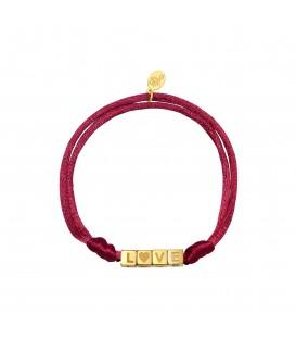 Armband van rose satijnen koord en goudkleurige vierkante kralen met 'LOVE'