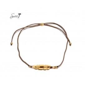 Bruine elastische armband met goudkleurige detail met kleine kraaltjes
