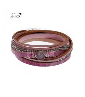 roze leren armband met kleine strass steentjes en andere details