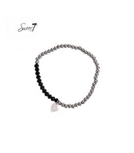 Elastische armband met zilverkleurige en zwarte kralen
