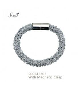 armband met kleine grijze glaskralen en magneetsluiting