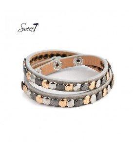 Armband van grijs imitatieleer met kleine cirkeltjes
