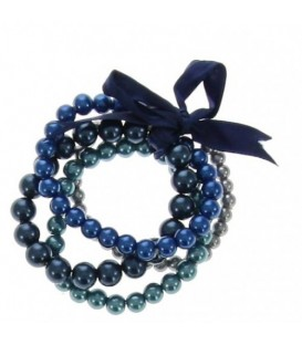 rekarmband met verschillende lagen met blauwe kralen en een strik