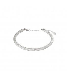 zilverkleurige bangle armband met een origineel design